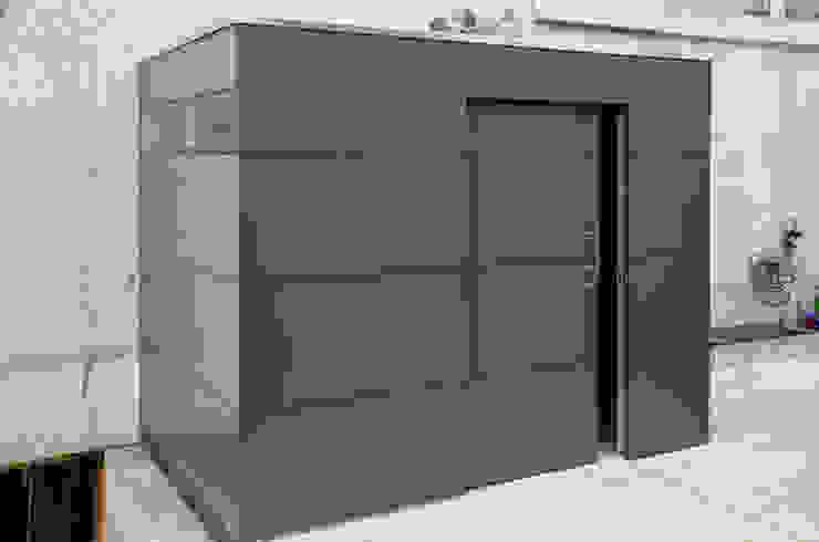 gartenhaus @gart – Meisterschwanden, Schweiz Moderne Garagen & Schuppen von design@garten - Alfred Hart - Design Gartenhaus und Balkonschraenke aus Augsburg Modern Holz-Kunststoff-Verbund