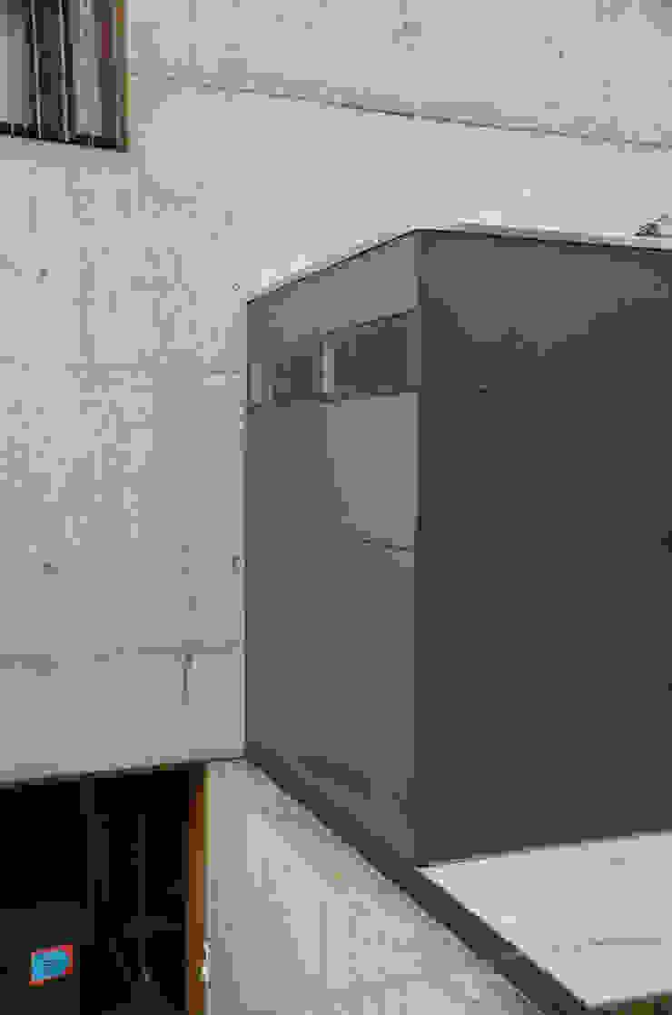 gartenhaus @gart – Meisterschwanden, Schweiz Moderner Garten von design@garten - Alfred Hart - Design Gartenhaus und Balkonschraenke aus Augsburg Modern Holz-Kunststoff-Verbund