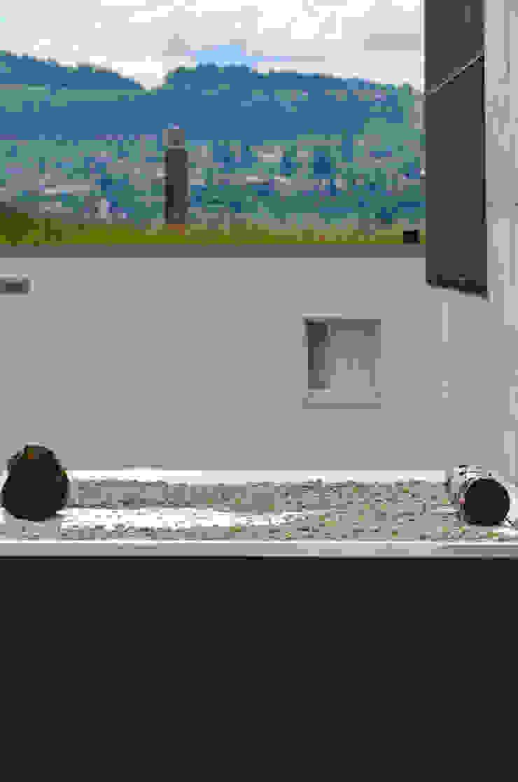 gartenhaus @gart - Meisterschwanden, Schweiz Moderne Häuser von design@garten - Alfred Hart - Design Gartenhaus und Balkonschraenke aus Augsburg Modern Holz-Kunststoff-Verbund