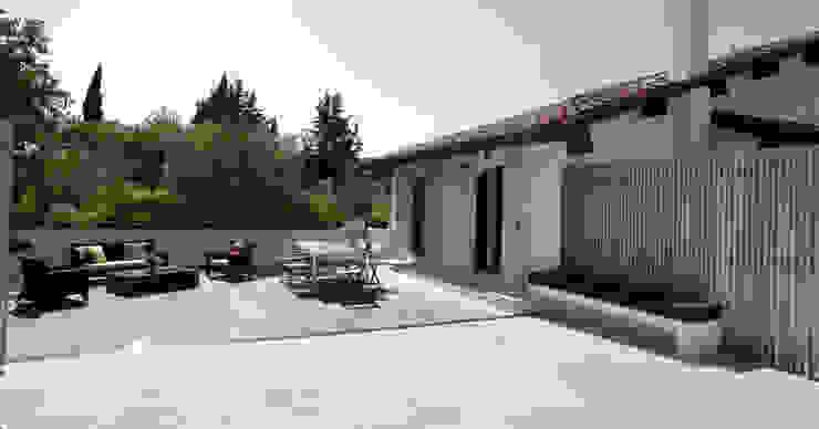 Residenza privata sulle colline di Firenze di Iconastudio Mediterraneo