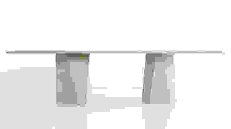 varan table: modern  von gil coste design,Modern