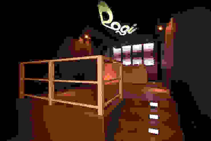 Logic club Negozi & Locali commerciali in stile minimalista di designer Minimalista