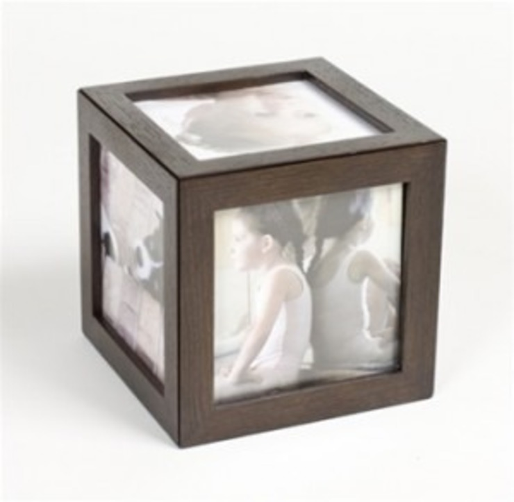 WOODEN PHOTO FRAME: classic  by Wooden Gift Company,Classic