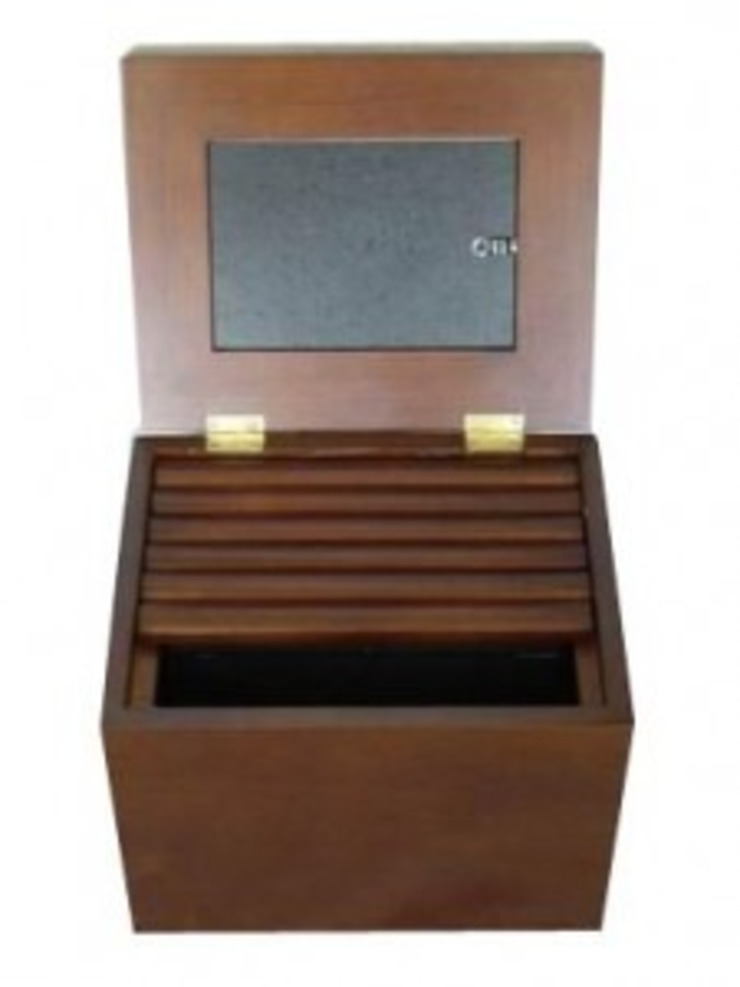WOODEN PHOTO ALBUM BOX: classic  by Wooden Gift Company,Classic