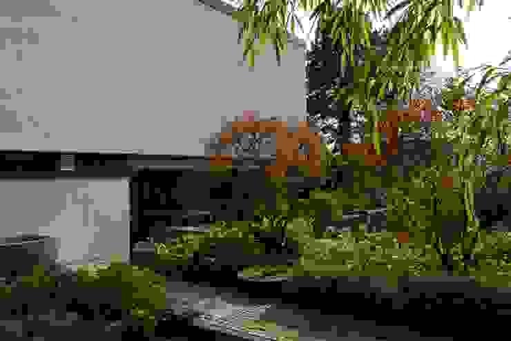 Modern garden by Herzog-Architektur Modern
