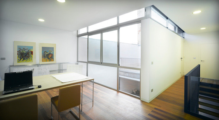 Finestre & Porte in stile moderno di Rocamora Arquitectura Moderno