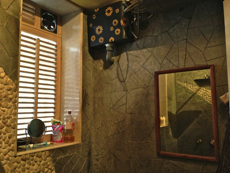 Residence at Mahim Eclectic style bathroom by Design Kkarma (India) Eclectic
