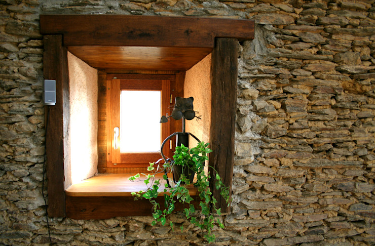 Barn in Chenailler Mascheix, France 러스틱스타일 창문 & 문 by Capra Architects 러스틱 (Rustic)