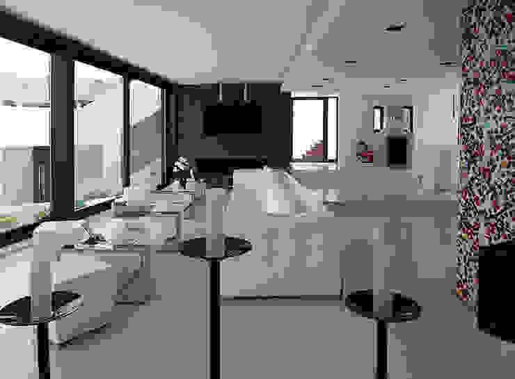 Livings de estilo  por Ivan Torres Architects