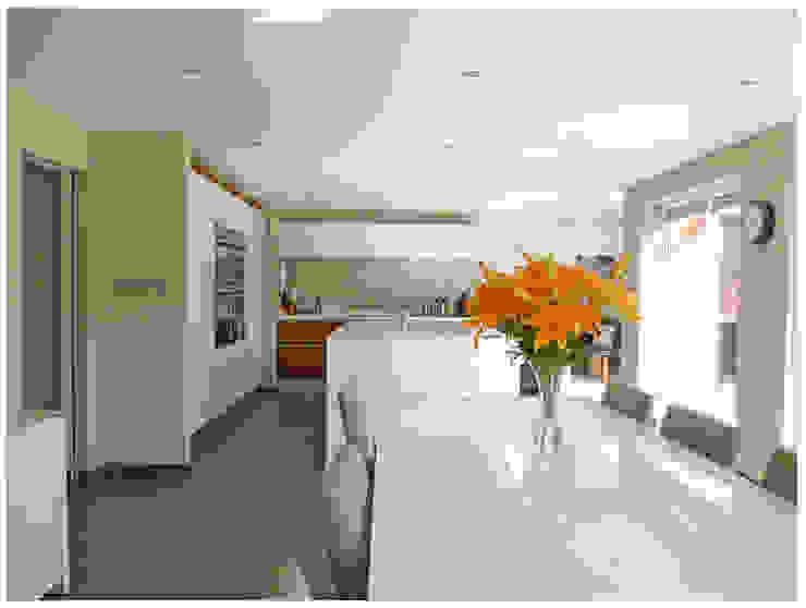 Streamside Close, Timperley, Altrincham Modern kitchen by Capra Architects Modern