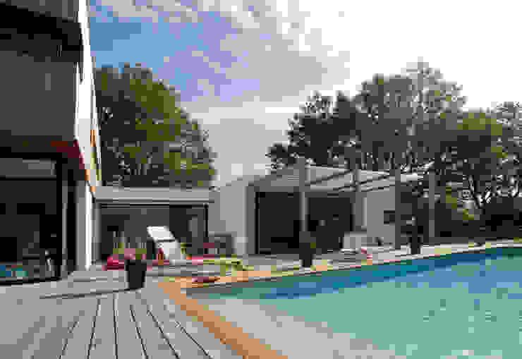 Casas de estilo moderno de ATELIER D'ARCHITECTURE ET D'URBANISME MARTIAL Moderno
