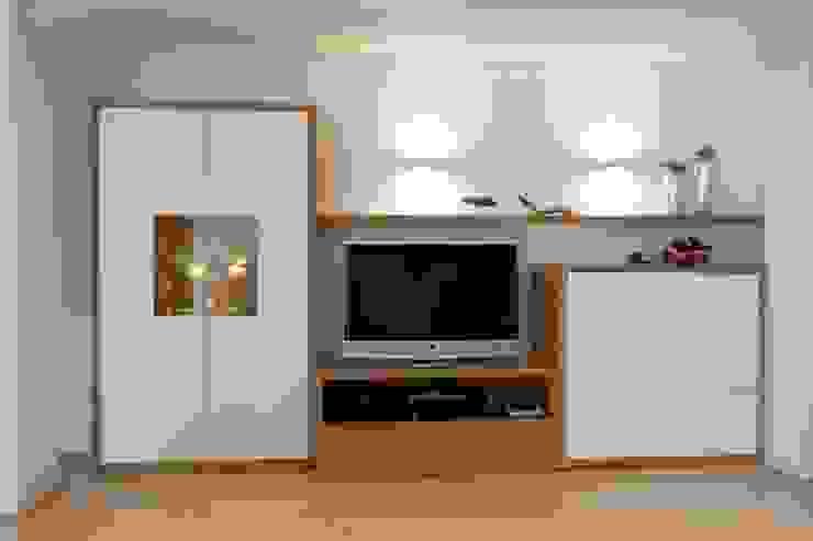 Wohnwand: modern  von Höltkemeier InnenArchitektur,Modern