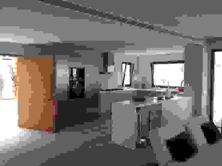Ivan Torres Architects Kitchen