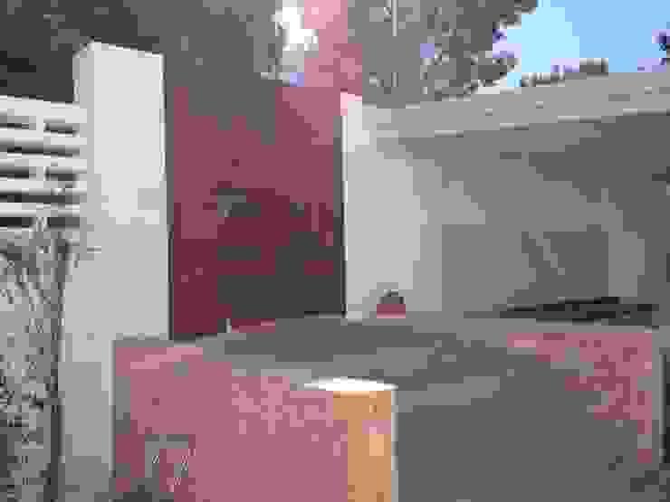 Ivan Torres Architects Modern windows & doors