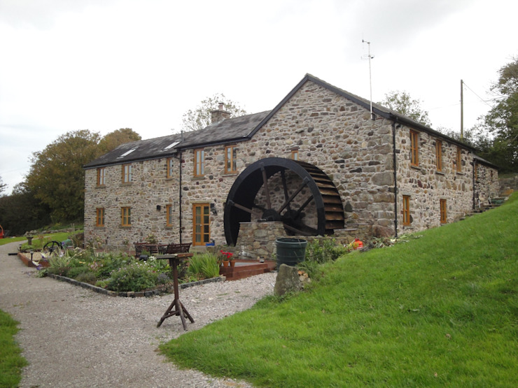 Melin Esgob, Llannerch-y-Medd, North Wales Rustic style houses by Capra Architects Rustic