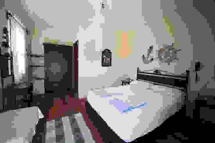 Dormitorios de estilo moderno de ARAL TATİLÇİFTLİĞİ Moderno