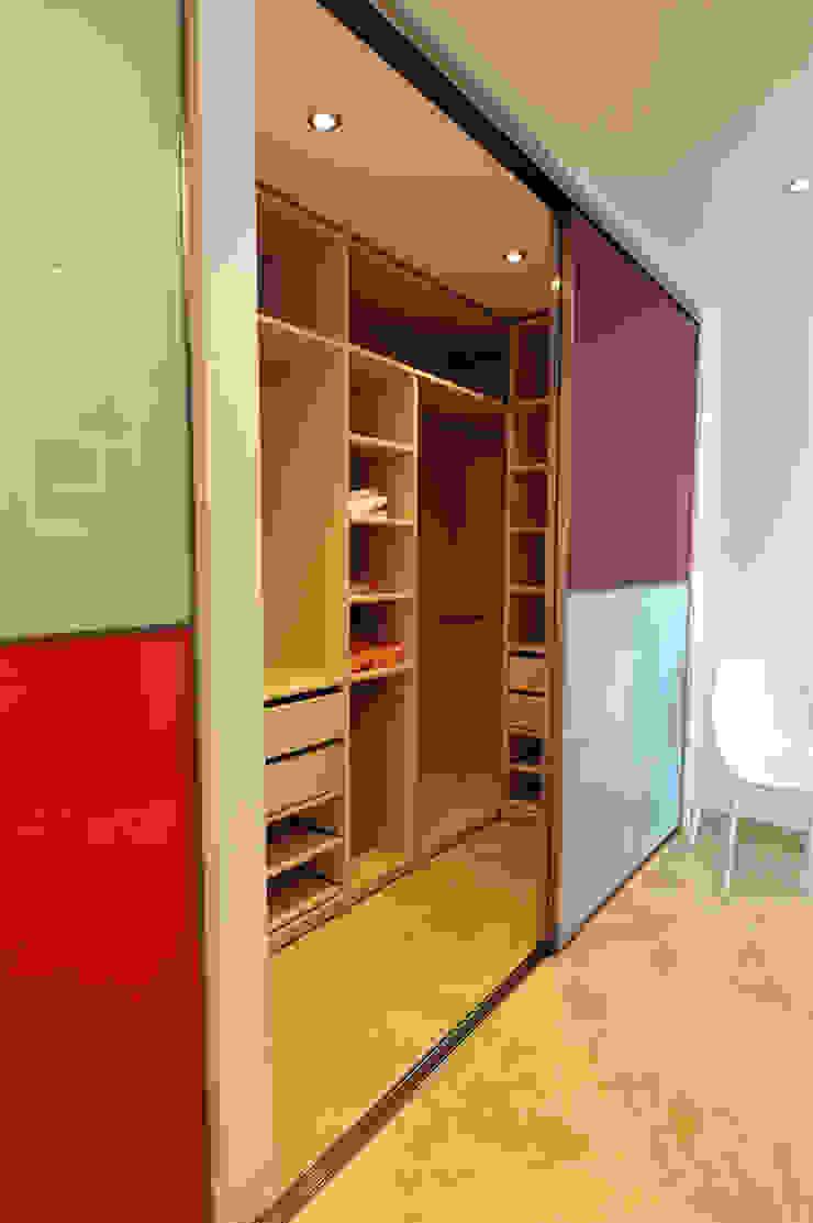 Ivan Torres Architects Modern dressing room