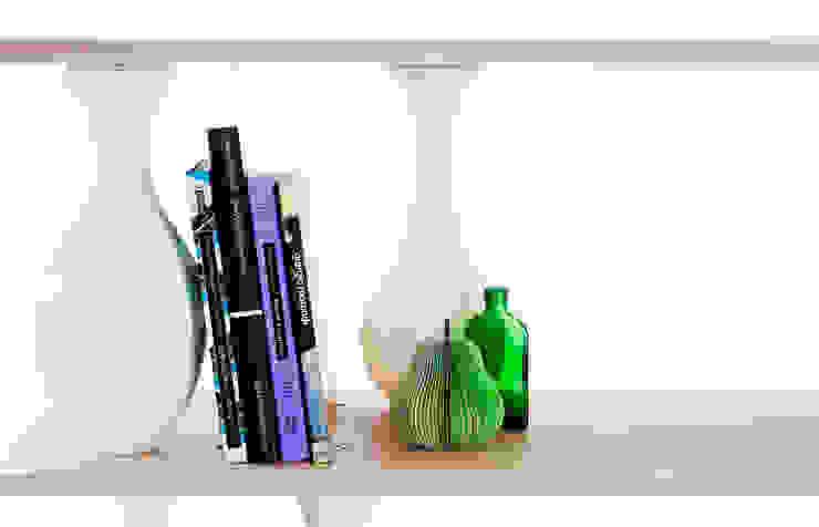 vase shelves di Covo Moderno