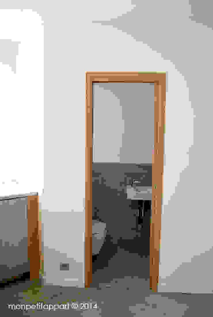 Toilettes Après par monpetitappart Moderne