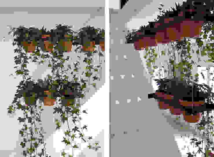 ESPACE DE TRAVAIL Couloir, entrée, escaliers modernes par Gwladys PARRA Moderne