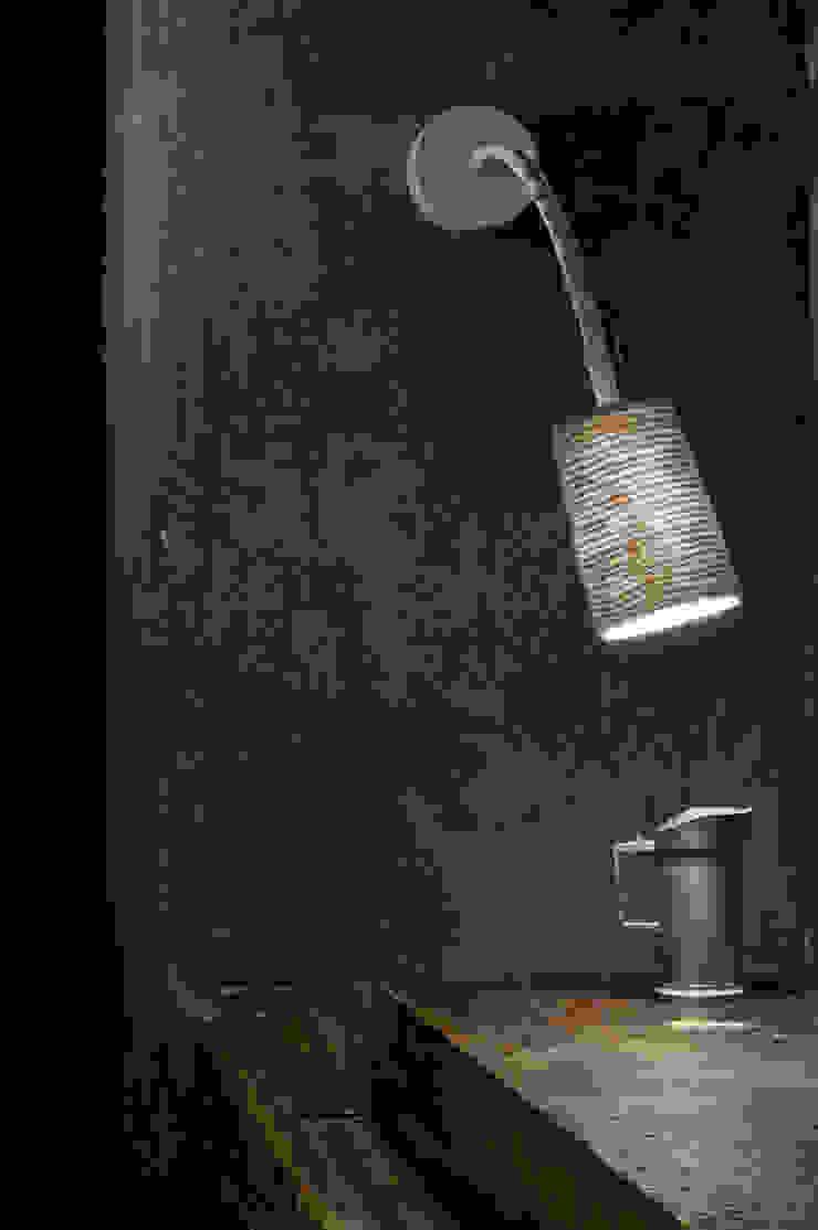 Paint A stripe di in-es.artdesign Moderno