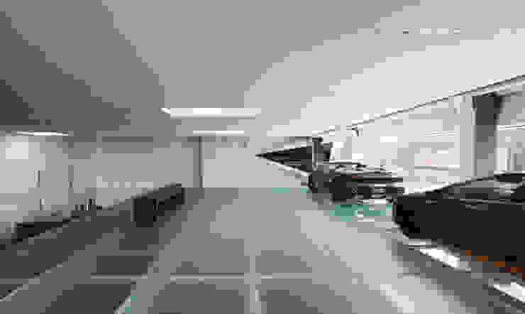 Soppalco in vetro antiscivolo. Concessionarie d'auto moderne di Vitrealspecchi Spa Moderno