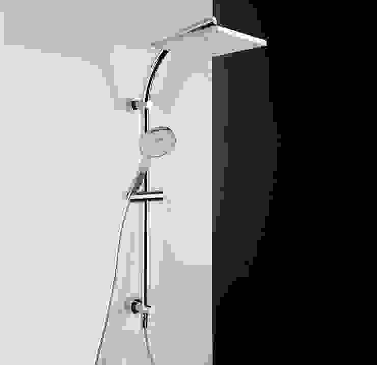 Bonomi Bonny - Colonna doccia con deviatore e erogatore quadrato di Bonomi Contemporaneo Italiano Moderno