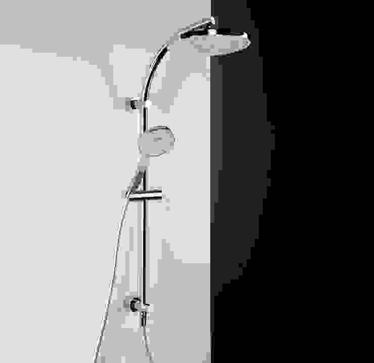 Bonomi Bonny - Colonna doccia con deviatore e erogatore tondo di Bonomi Contemporaneo Italiano Moderno