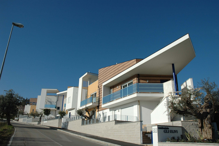 "Residence ""Gli Ulivi"" Modern Houses by AGUZZI DESIGN STUDIO Modern"