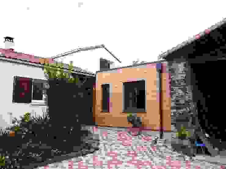 atelier klam Rumah Modern