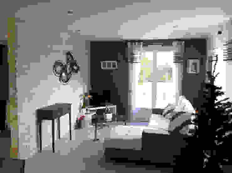 Maison façade bois atelier klam Salon moderne
