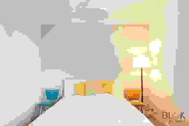 Projekty,  Sypialnia zaprojektowane przez homify, Minimalistyczny