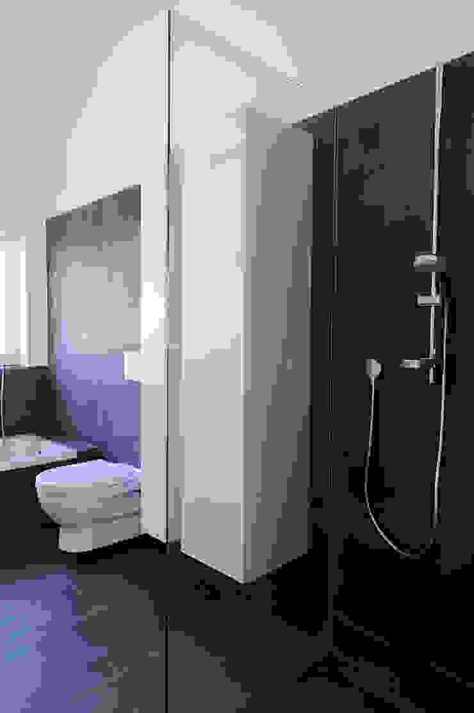 Einfamilienhaus mit Einliegerwohnung in Freising Herzog-Architektur Moderne Badezimmer