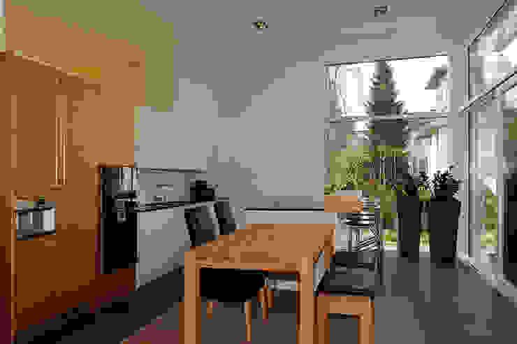 Einfamilienhaus mit Einliegerwohnung in Freising Herzog-Architektur Moderne Esszimmer