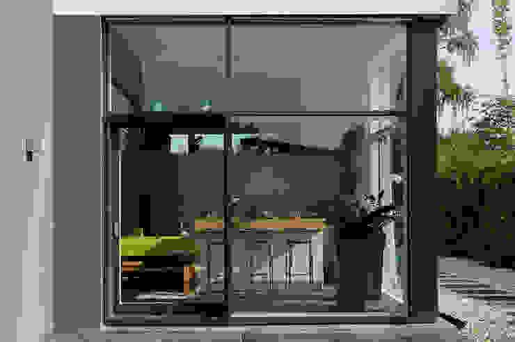 Einfamilienhaus mit Einliegerwohnung in Freising Herzog-Architektur Moderne Fenster & Türen