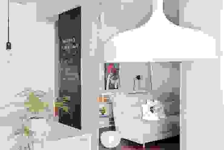 Transición entre cocina y salón Salones de estilo ecléctico de homify Ecléctico