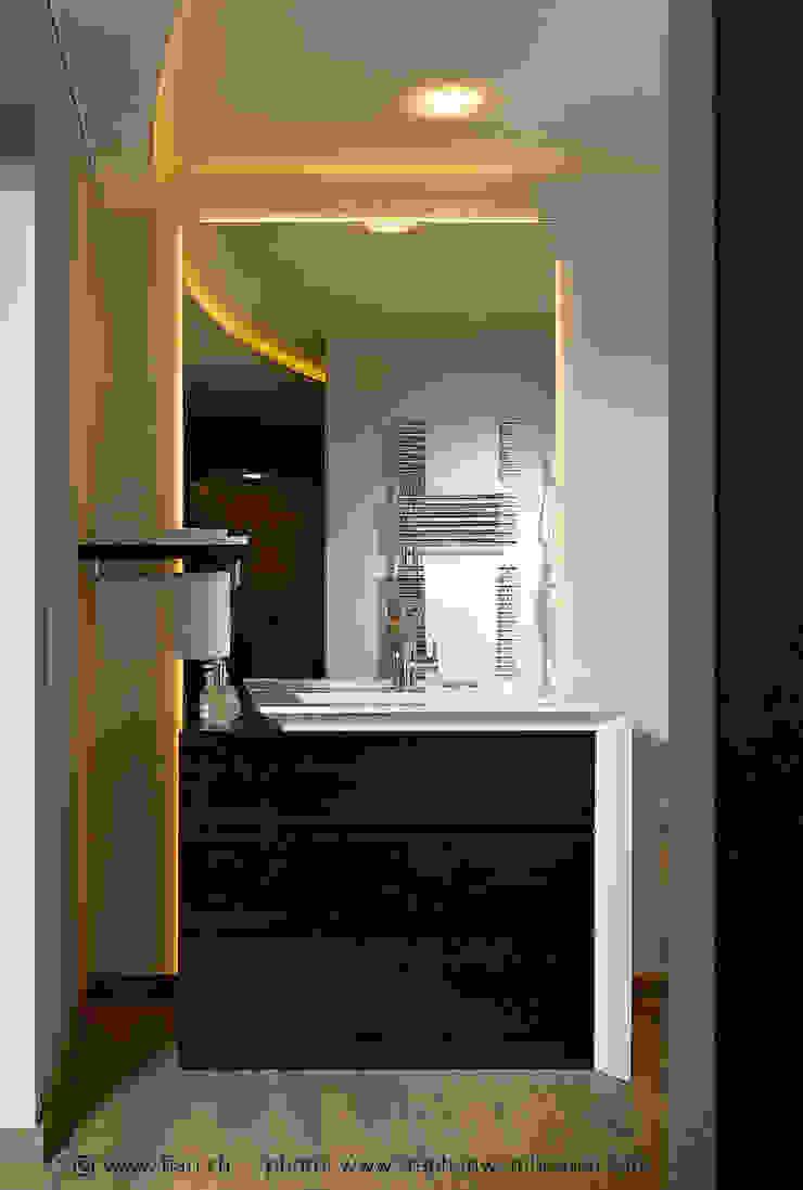 Détail salle de bain par FiAri Moderne