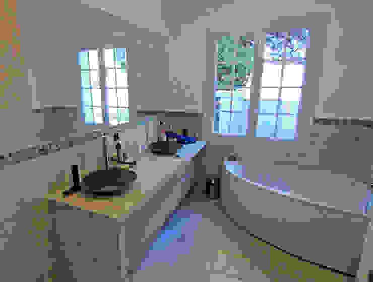 Salle bain Piscine moderne par Agence Forvieux Architecture Moderne