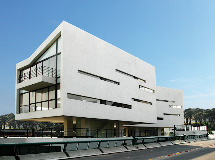 4 Casas LCC Casas modernas de Gaeta Springall Arquitectos Moderno