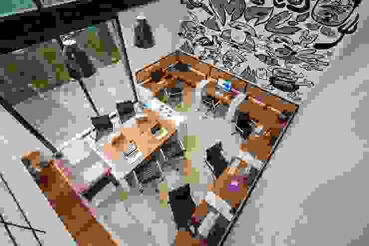 OFICINA MATATENA de Desnivel Arquitectos Moderno