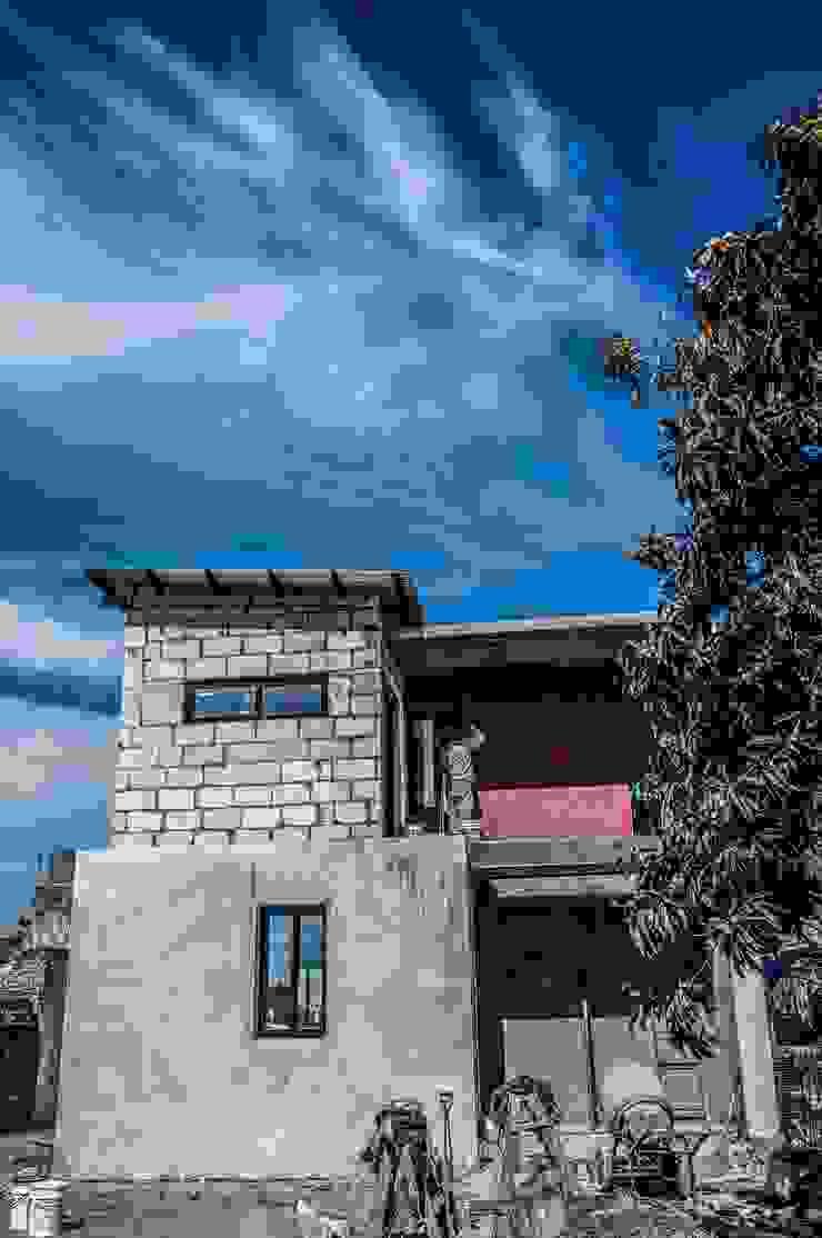 Vera Casas modernas: Ideas, imágenes y decoración de Proa consultorio de arquitectura Moderno