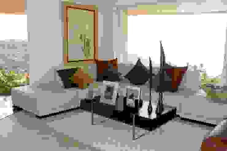 Tapicería de sillones y cojines de Arquiindeco Moderno
