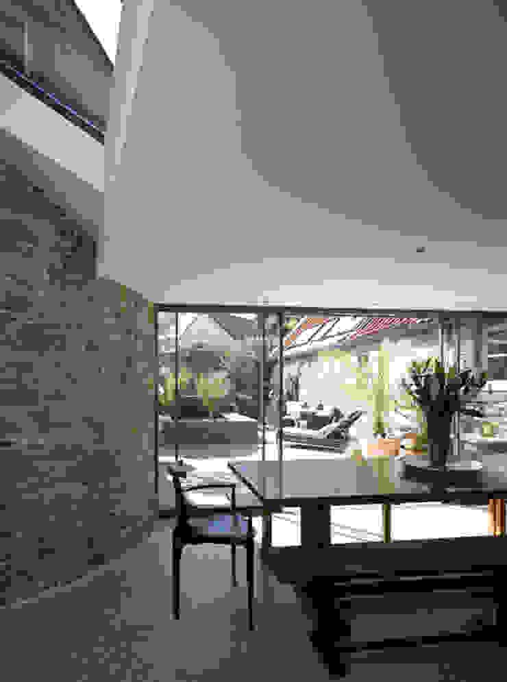 Les Jenemies Rustic style walls & floors by JAMIE FALLA ARCHITECTURE Rustic Granite