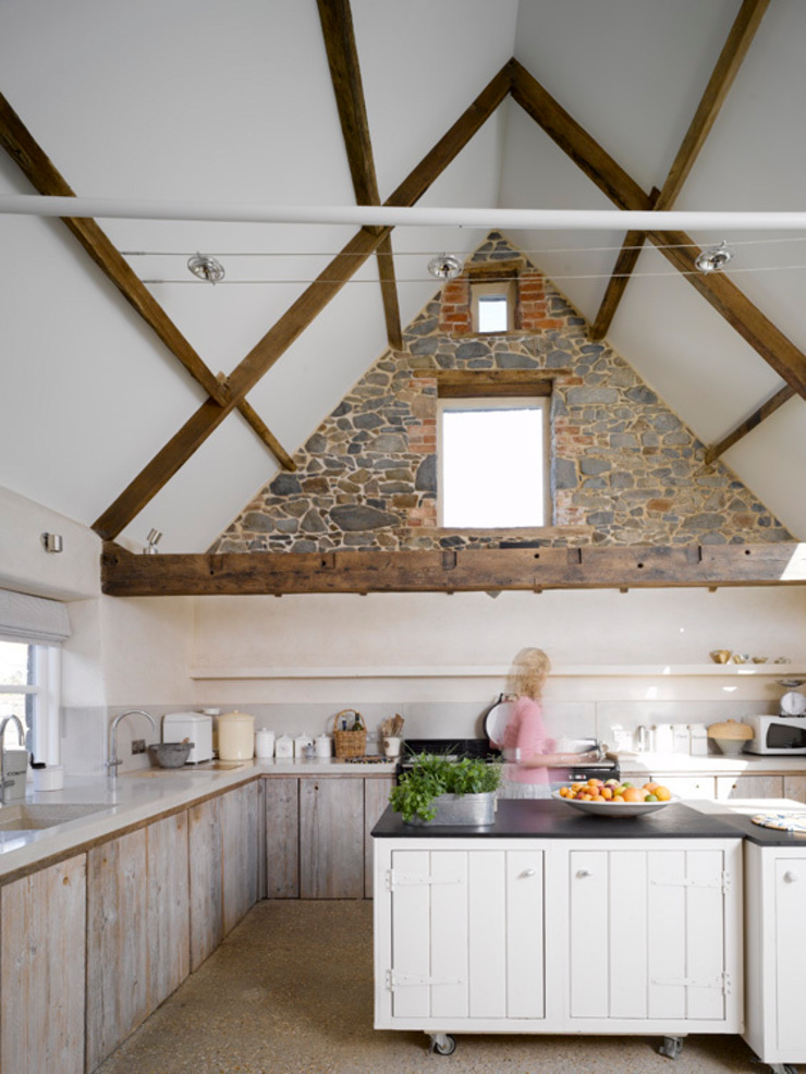 Les Jenemies Rustic style kitchen by JAMIE FALLA ARCHITECTURE Rustic