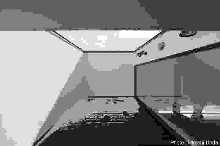 HAKONOOUCHI06 Modern style balcony, porch & terrace by 石川淳建築設計事務所 Modern
