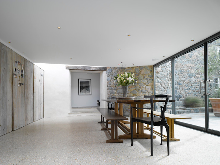 Les Jenemies Modern dining room by JAMIE FALLA ARCHITECTURE Modern