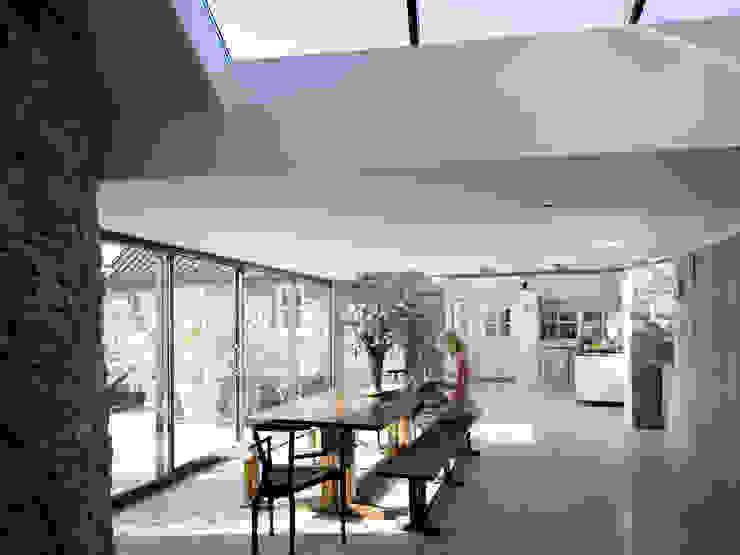 Eetkamer door JAMIE FALLA ARCHITECTURE