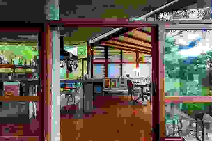 Casa da Floresta Cozinhas campestres por Ferraro Habitat Campestre