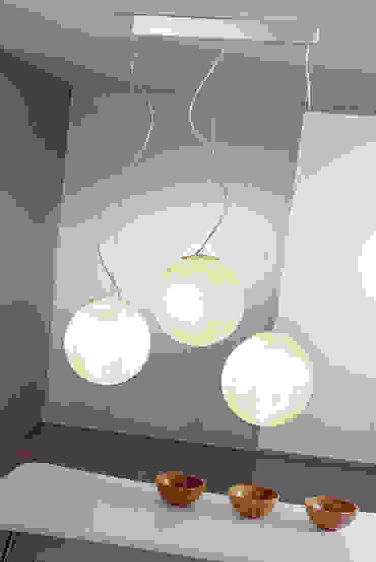 Tre lune di in-es.artdesign Moderno