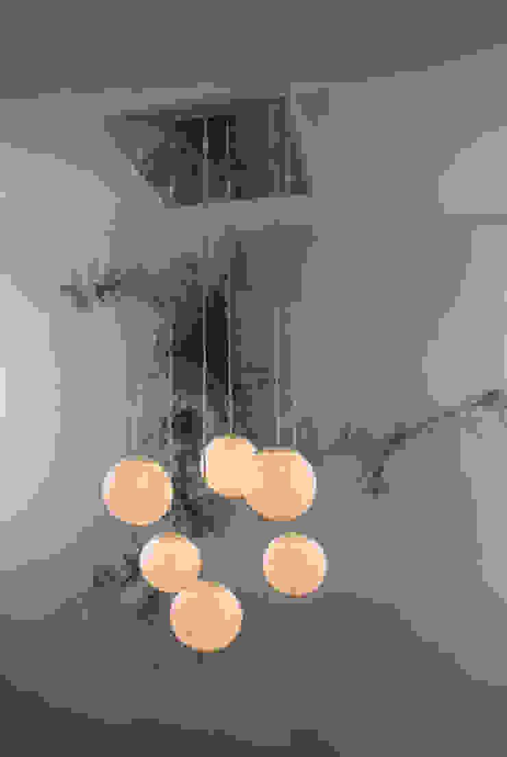 Sei lune di in-es.artdesign Moderno
